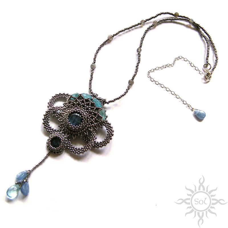 naszyjnik beading haft korlaikowy, kyanit, toho niskel